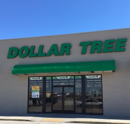 Dollar Tree Storefront - Pine Tree Mall Marinette